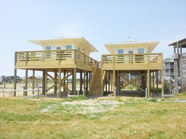 Beachfront tiny houses on stilts tiny house pins for Elevated small house design