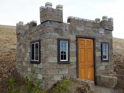 Tiny castle house tiny house pins for Small cinder block house plans