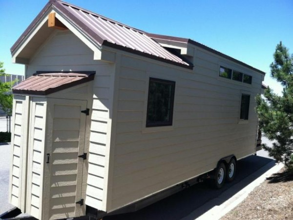 dakota-tiny-house-on-wheels-02