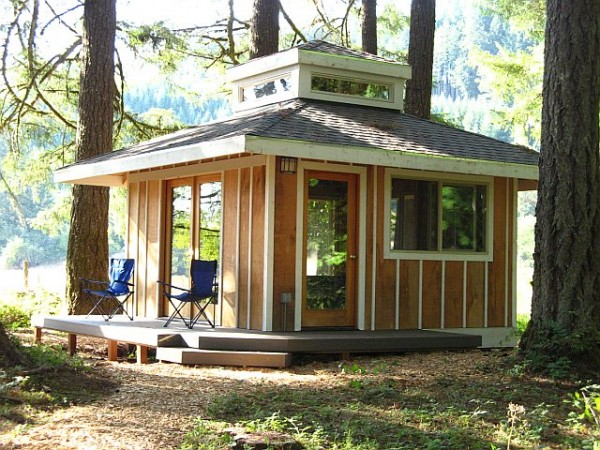 3 great thoreau quotes and a peaceful little cabin in the for Building a small cabin in the woods