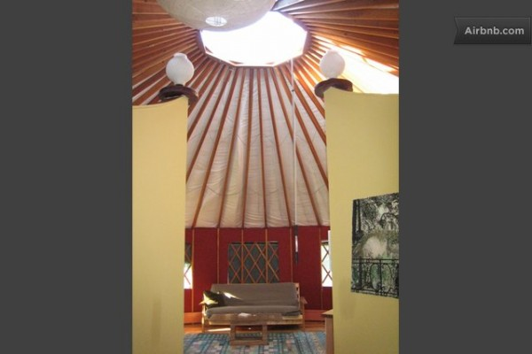 solar-powered-yurt-home-018