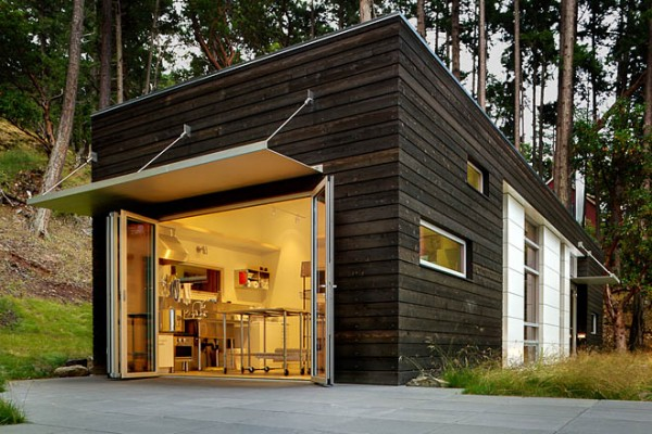 Spacious and simple small cabin in san juan island tiny for Simple cabin