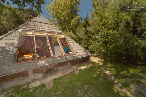 tiny-pyramid-cabin-in-argentina-vacation-rental-013