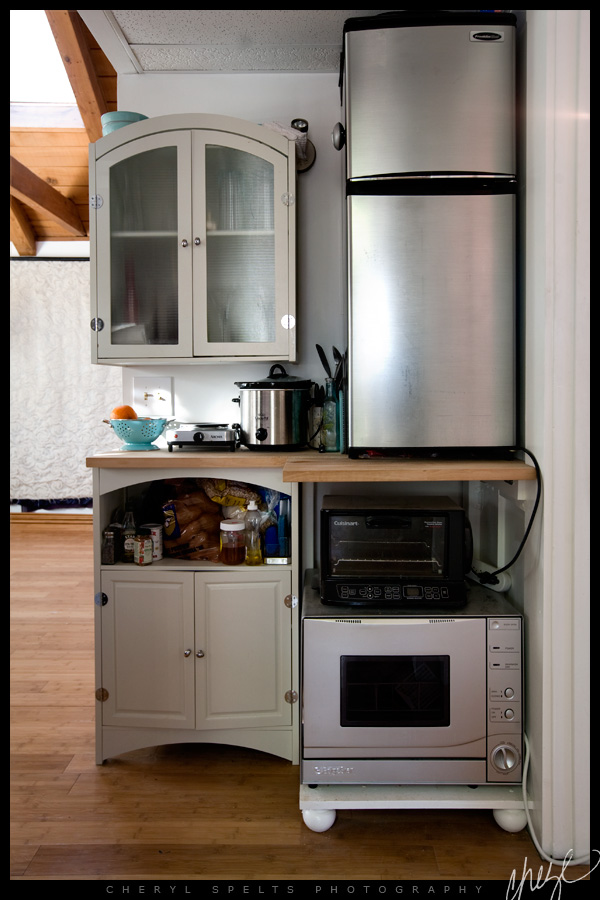 Diy tiny kitchen in a studio tiny house pins Very small space kitchen design