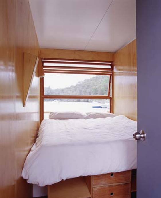 Arkiboat-tiny-small-houseboat-living-005