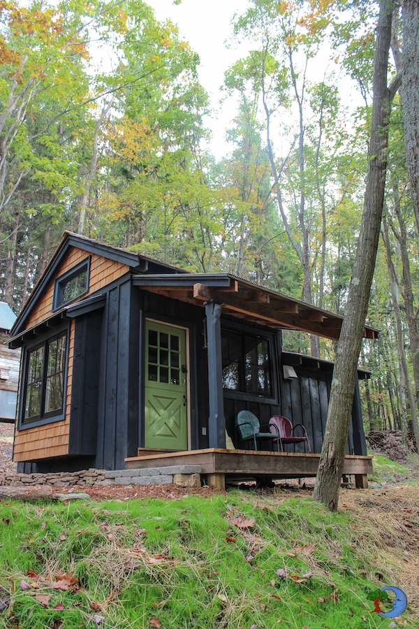Simple living in tiny cabin with bedroom porch tiny for Tiny house with porch