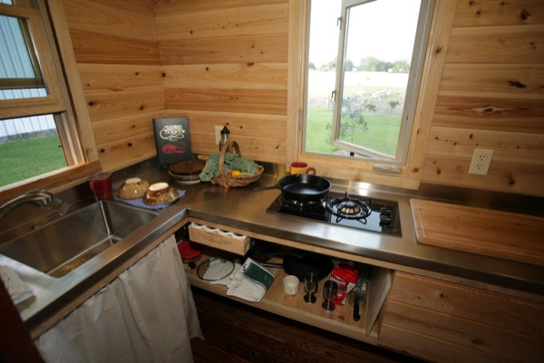 the-sip-tiny-house-on-wheels-004