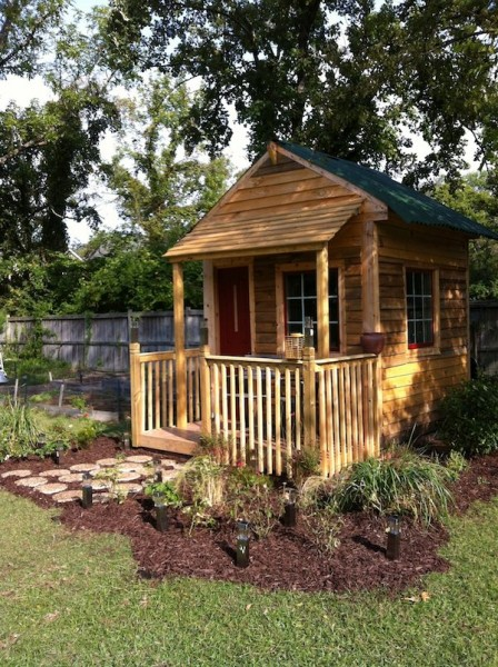 Backyard Tiny House With Covered Front Porch Tiny House Pins