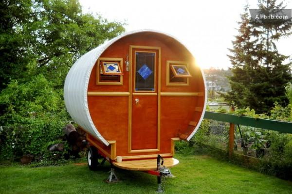 hand-built-gypsy-wagon-02