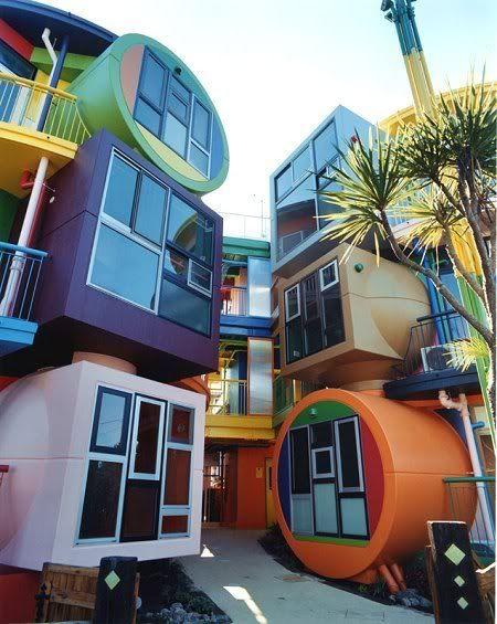 tokyo-colorful-loft-apartments