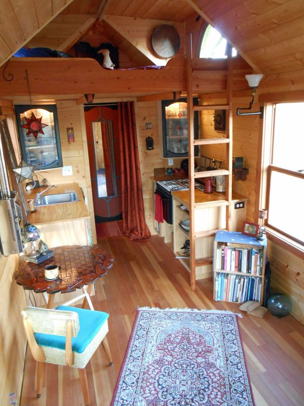might-micro-house-on-wheels-for-sale-02