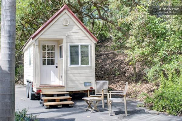 tiny-house-rental-02