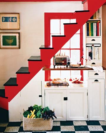 tiny-staircase-kitchen