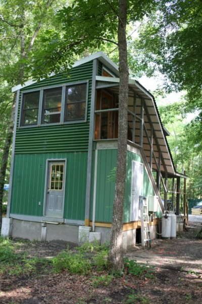Small Two Story House Design: Two Story Foundation Tiny House: The Hobo House