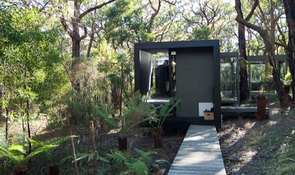 Tiny Modern Cabin in Australia-03