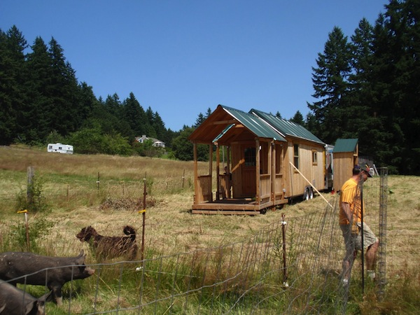 big-porch-for-tiny-house-on-wheels-02