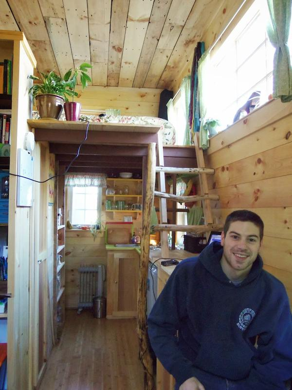 jess-and-dans-tiny-house-on-wheels-003